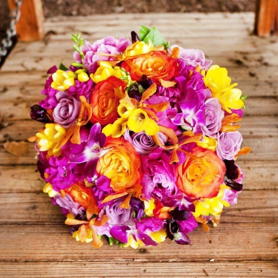 Свадебный букет с розами, пионами и орхидеей