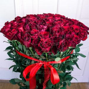 Букет 101 красная роза высотой 140см