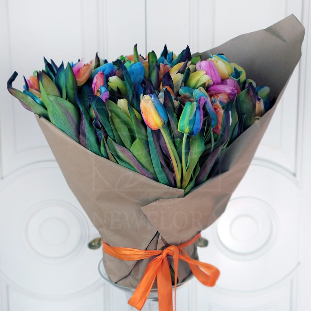Букет 101 радужный тюльпан