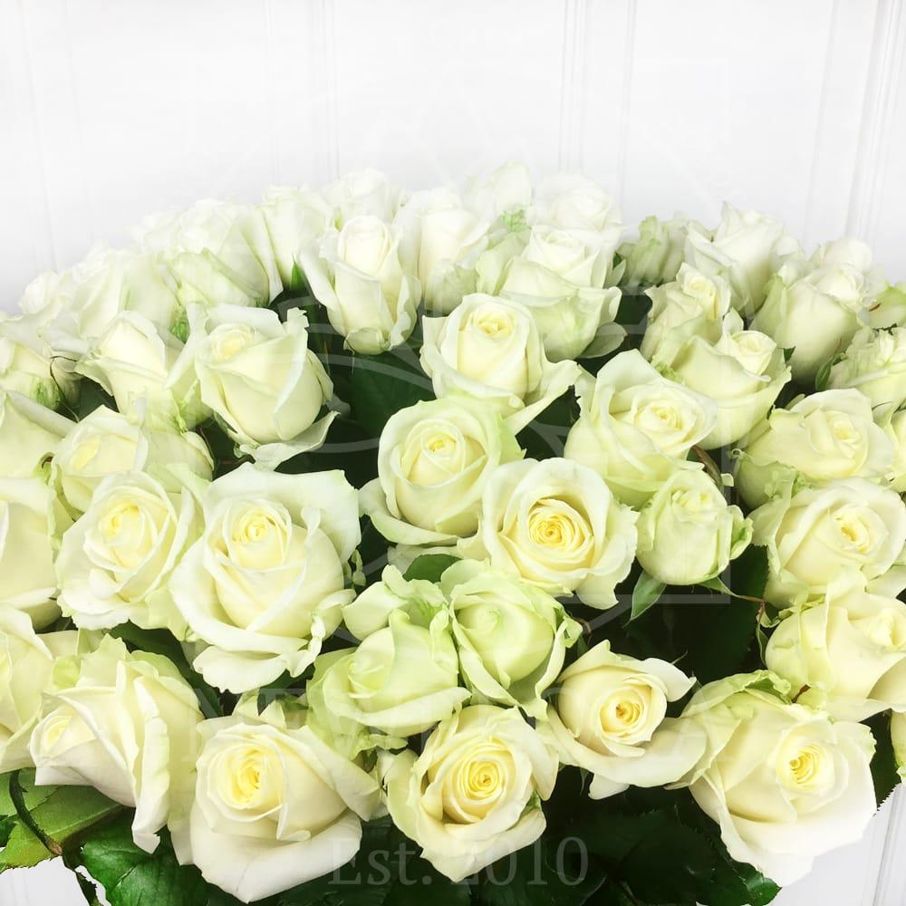 Букет 101 белая роза 60см (РФ)