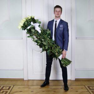 Букет 25 белых роз 140см