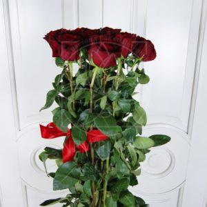 Букет 15 красных роз высотой 170см