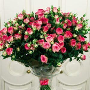 Букет 15 розовых кустовых роз (Premium)