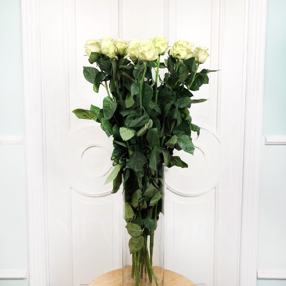 Букет 15 белых роз высотой 110см