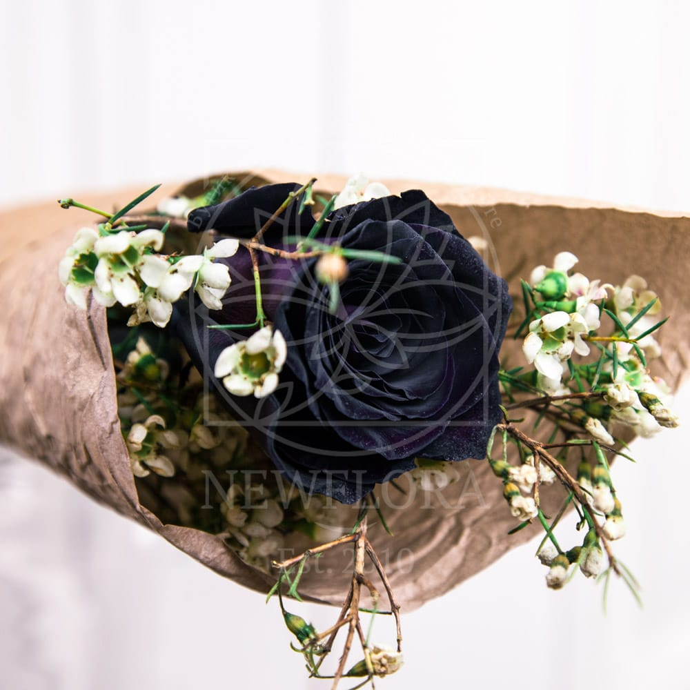 1 черная роза с оформлением и сердечком из латуни (Italy, Stilars est.1972)