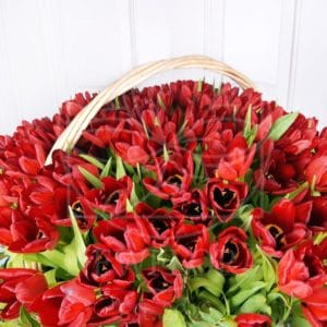 Корзина цветов 201 тюльпан (60см)