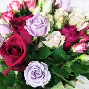 Букет 25 кустовых и классических роз