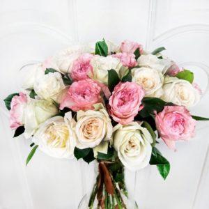 Букет 25 пионовидных роз микс