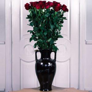 Букет 29 красных роз высотой 130см