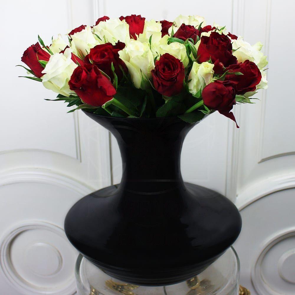 Черные вазы настольные