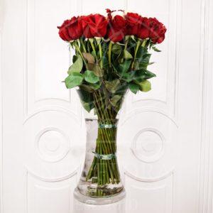 Букет сердце 39 красных и белых роз