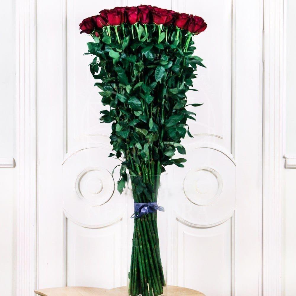 Букет 51 красная роза высотой 140см