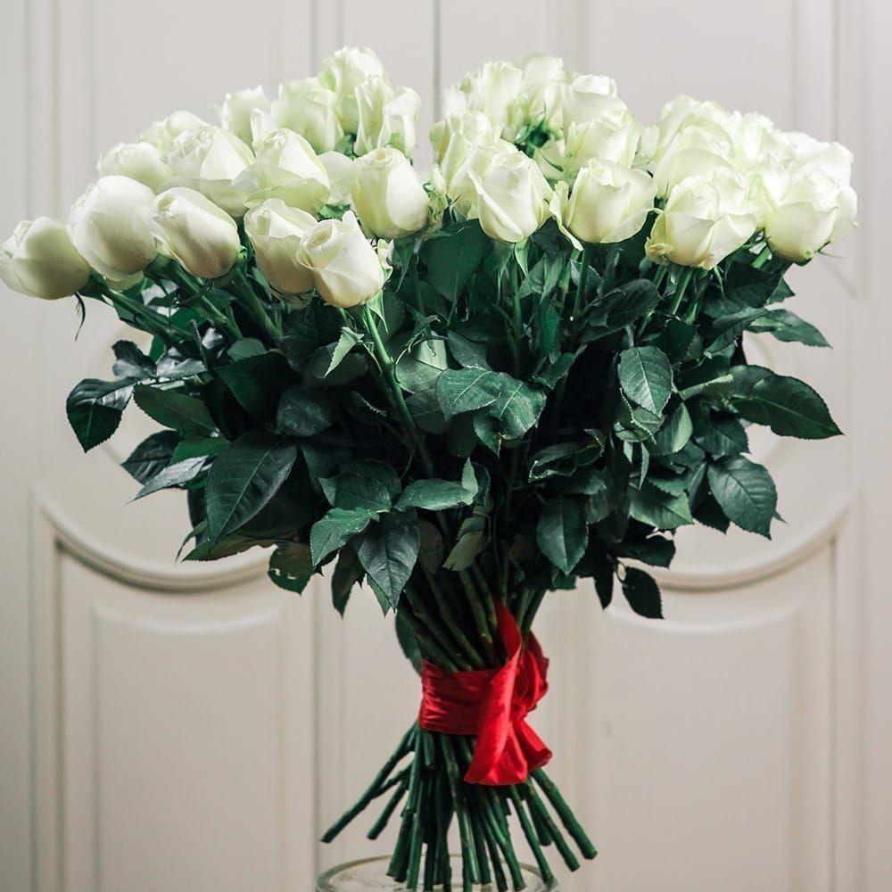 Букет 51 белая роза 70см сорт Proud