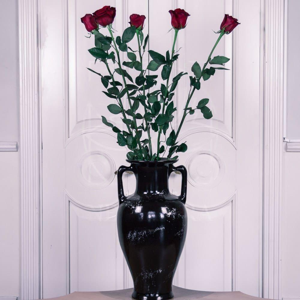 Букет 5 красных роз высотой 130см
