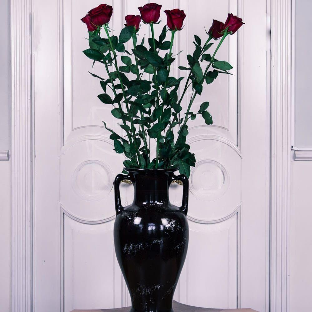 Букет 7 красных роз высотой 130см