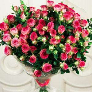 Букет 9 розовых кустовых роз (Premium)