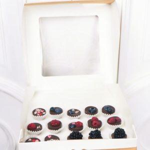 Маленький набор ягод в шоколаде