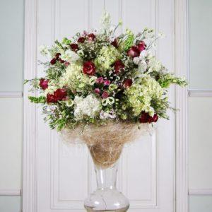 Авторская напольная композиция из цветов в вазе