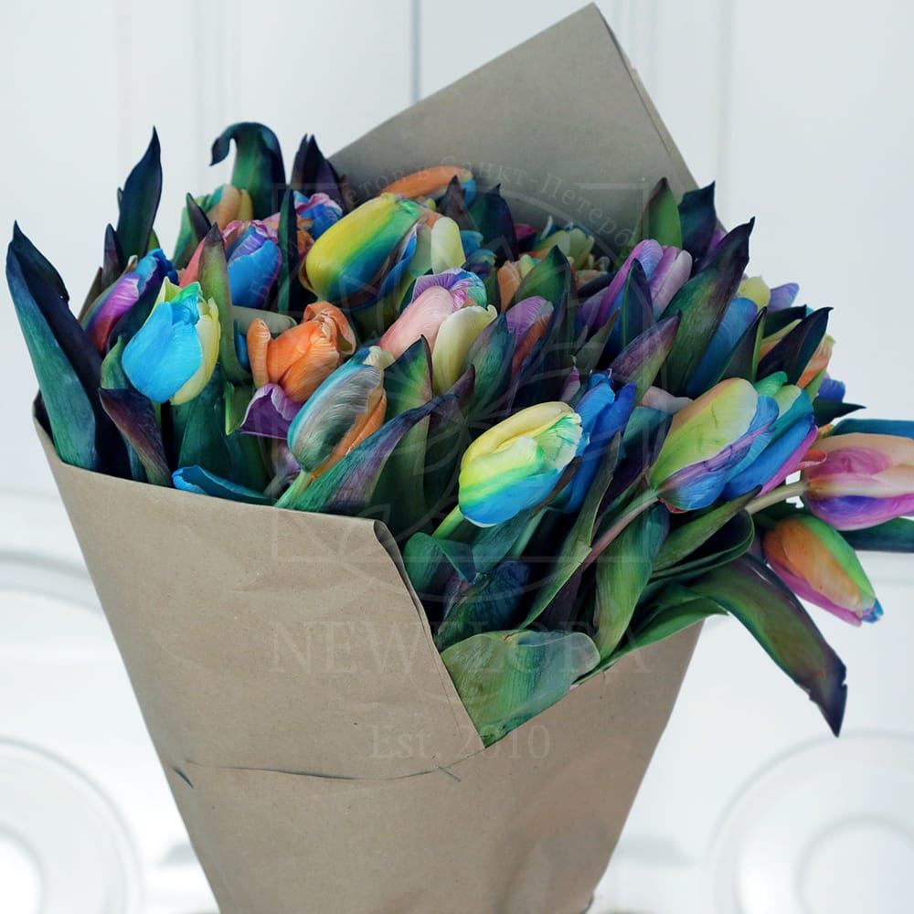 Букет 51 радужный тюльпан