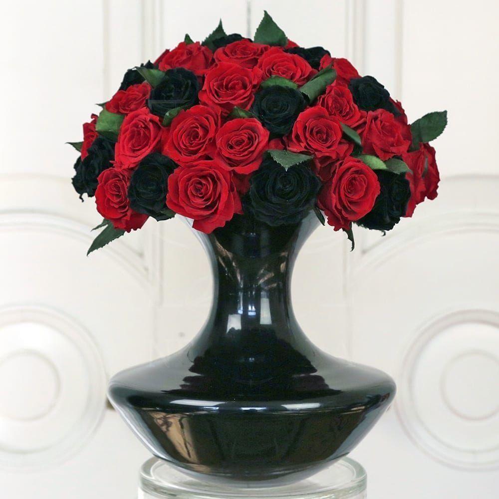 45 средних стабилизированных роз в вазе
