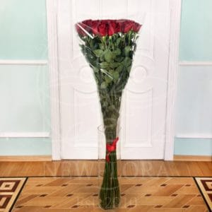 Букет 35 красных роз высотой 150см