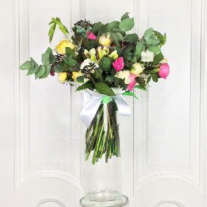 Авторский букет с пионовидными розами и маком