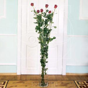 Стеклянная ваза высотой 100см