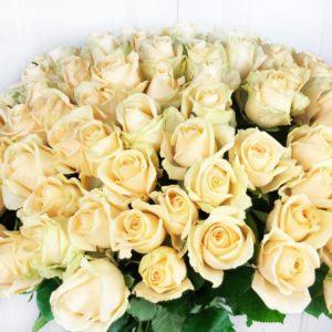 Букет 101 персиковая роза