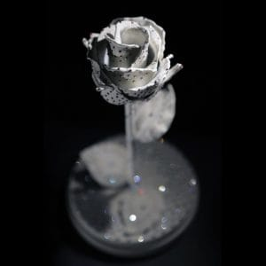 Кованая роза в колбе со стразами swarovski