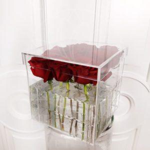 9 роз в акриловой коробке