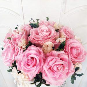 Шляпная коробка со стабилизированными розами и гортензиями (долгоживущие цветы)