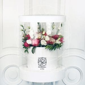Шляпная коробка аквариум с пионами и зеленью 25×45см