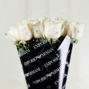 Букет 11 белых роз Emporio Armani