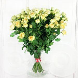 Букет 19 кустовых пионовидных желтых роз