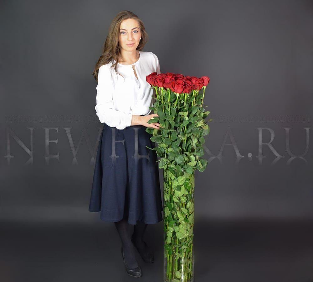 Букет 35 красных роз высотой 130см