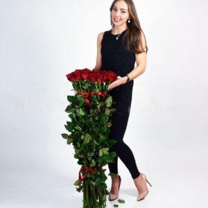 Букет из 35 красных роз высотой 100см