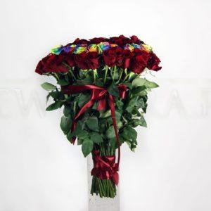 Букет сердце 101 роза с радужными