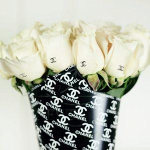 Букет 11 белых роз Chanel