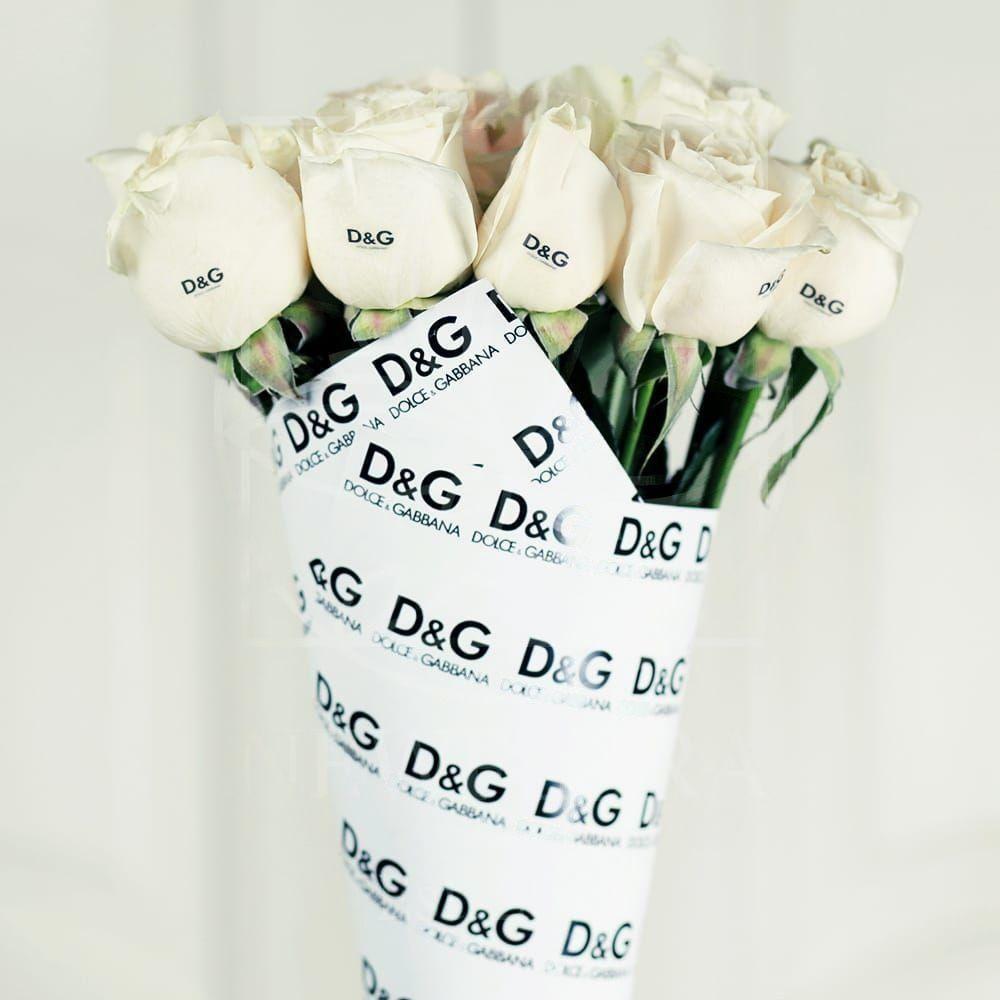 Букет 11 белых роз Dolce & Gabbana
