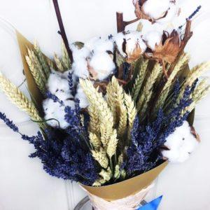 Букет сухоцветов с лавандой, рожью и хлопком