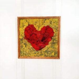 Картина красное сердце из стабилизированного мха 30×30см