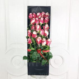 21 роза Свитнесс в длинной коробке