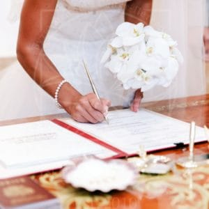 Свадебный букет с орхидеями, бутонерка и заколка