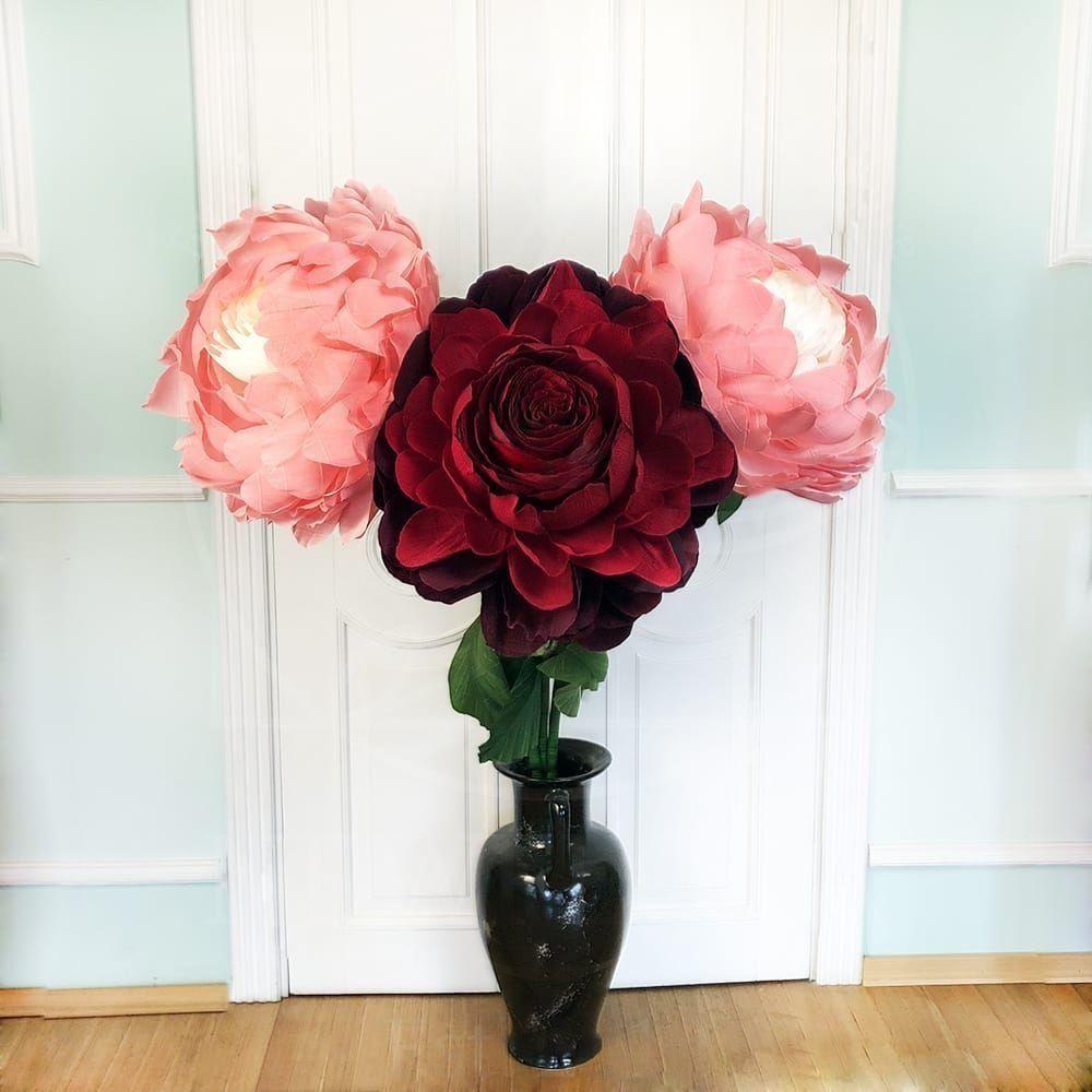 Гигантские бумажные цветы в аренду