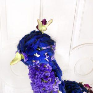 Авторская композиция из цветов Павлин, высота 80см