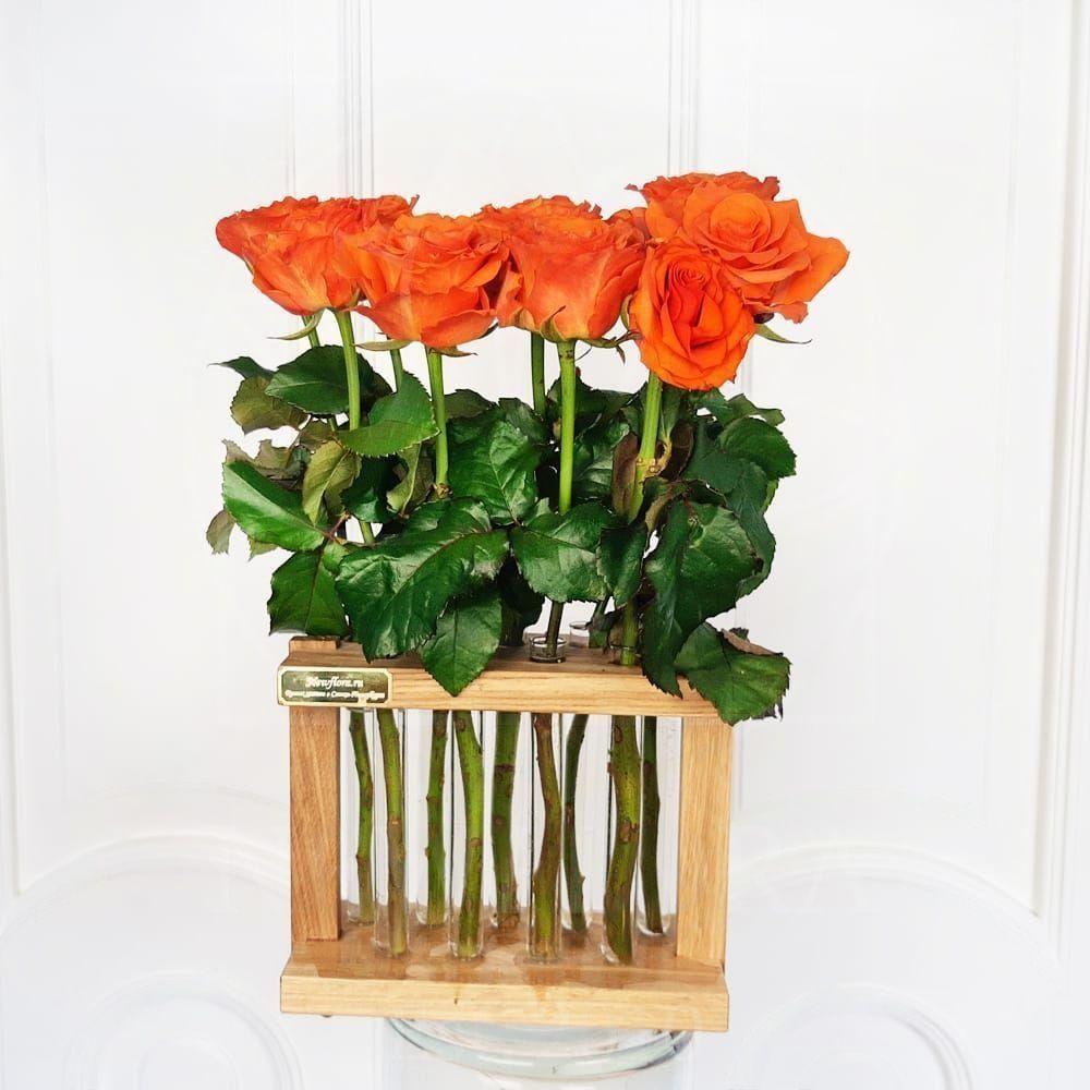 9 роз в подставке с пробирками