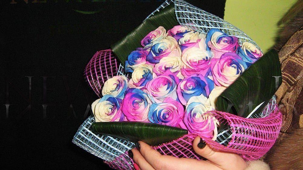 Букет 25 роз сине-бело-фиолетовых (под заказ)