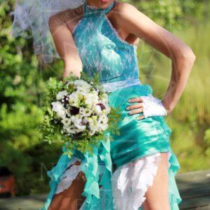 Авторский свадебный букет с черникой и лизиантусом