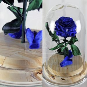 Стабилизированная роза в колбе на мраморной подставке