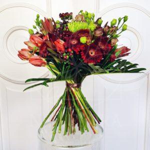 Букет с тюльпанами и мини герберами